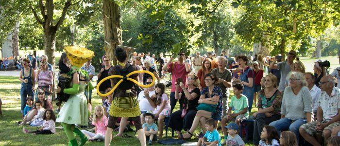 Bien & Blum Schlosspark Biebrich Theaterfestival Poesie Im Park